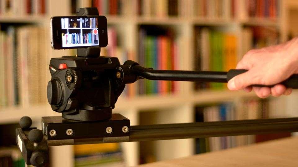 El vídeo no tiene que ser caro, con un iPhone y un trípode con slider puedes hacer maravillas